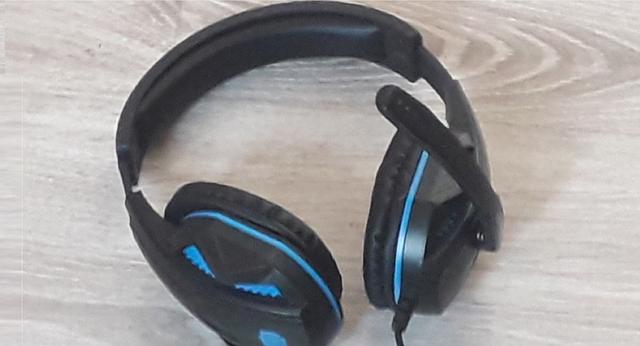 headphones-5157451_640